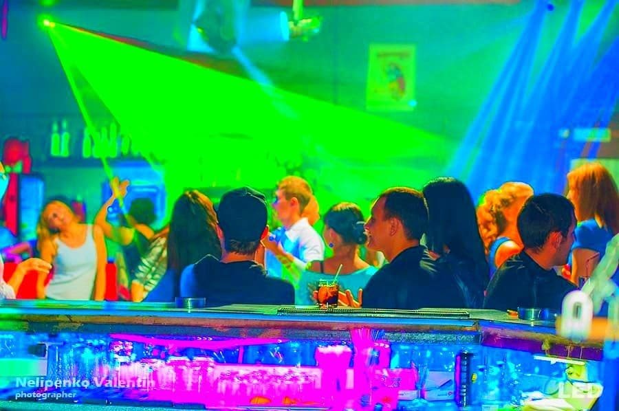 Лазерное шоу Полысаево. Оборудование для лазерного шоу в Полысаеве